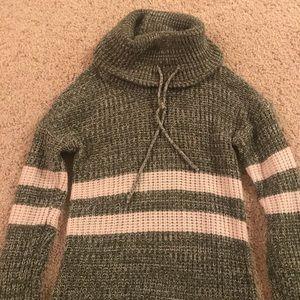 Women's Derek Heart Turtle Neck Knit Top